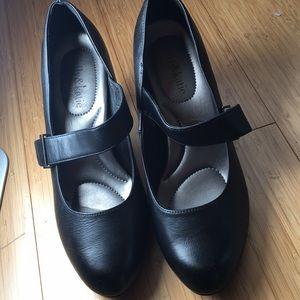 Kelly and Katie black maryjane with heel size 7.5